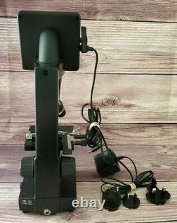 Celestron Digital Microscope 2.0 MP Digital Camera 3.5in LCD Screen 44340